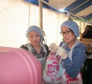 volunteeringCottonCandy