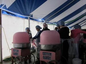volunteeringCottonCandy2