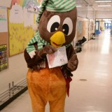 Ookpik Gets A Card (OM McKillop PS) (photo by Phil Shepherd)
